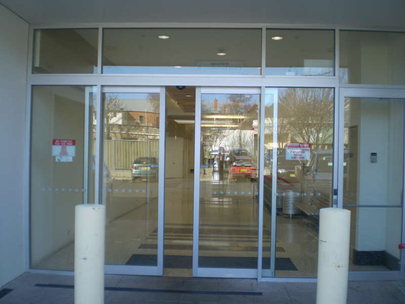 Tormax automatic sliding door usa koxneal for Sliding glass doors germany